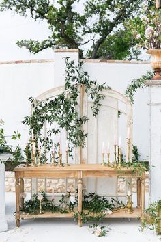 Vintage altar weddin