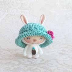 Мой первый  привет в 2016! Да, я повторяюсь, но не часто) Снова лето в шляпе. Январята пошли)) #зайка#зайчик#шляпа#hat#bunny#rabbit#etsy#miniature#knitting#crochet