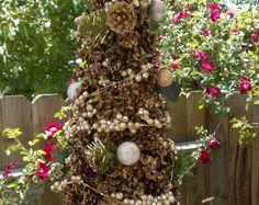 Annata 1962 Handcrafted pino cono albero di Natale di Rusticcreek