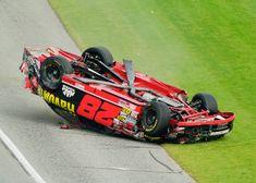 Ricky Rudd driving the Yates Racing Texaco Havoline Ford Taurus. Nascar Crash, Nascar Race Cars, Old Race Cars, Indy Cars, Nascar Wrecks, American Racing, Ford News, Texaco, Vintage Racing