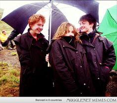 15 Amazing Behind-The-Scenes Potter Pics - Harry Potter Memes and Funny Pics - MuggleNet Memes