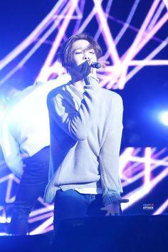 How not  love this Boy????  Taehyun
