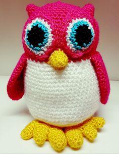 Sovička je vyrobená z kvalitného materiálu vyplnenámikrovláknom. Veľkosť hračky je cca 20cm. Celá hračka je šitá bez lepenych časti je teda vhodná.. Crochet Toys, Hats, Crocheted Toys, Hat