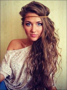 Beautiful curly hair with a headband <3