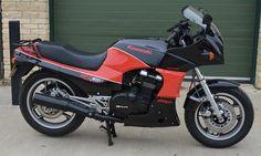 1987 Kawasaki GPz900R Ninja Frame no. ZX900A 037425 Engine no. ZX900AE 047267