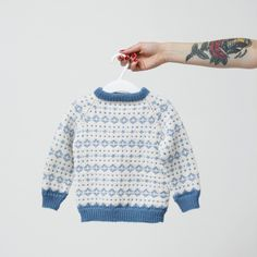 Noragenseren Baby Boy Knitting, Knitting For Kids, Knitting Projects, Knitting Patterns, Cool Sweaters, Baby Sweaters, Crochet Baby, Knit Crochet, Fair Isle Knitting