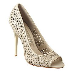 nine west perforated pumps