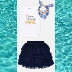 După așteptări îndelungate, zilele călduroase au sosit! Pregătește-ți fetița de vară alegând o fustă 🤩 din tulle asimetrică și un tricou haios ce vine la pachet cu o eșarfă simpatică!  Coduri produse: 3019PV19GAL2, 3903PV19BLM2  #marabukids #mayoral #tinutazilei Cheer Skirts, Fashion, Moda, Fashion Styles, Fashion Illustrations