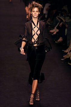 Saint Laurent - Fall 2002 Ready-to-Wear - Look 3 of 45