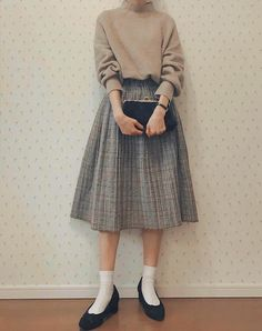 Kind of nice 🤔 K Fashion, Ulzzang Fashion, Japan Fashion, Cute Fashion, Modest Fashion, Skirt Fashion, Korean Fashion, Fashion Dresses, Hijab Fashion