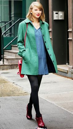 green is matching well with blue on tay