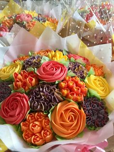 A selection of big bright bouquets for a party, perfect table decorations Flower Pot Cake, Flower Pots, Valentine Day Cupcakes, Valentines, Cupcakes Delivered, Frosting Flowers, Cake Show, Cupcake Cakes, Cupcake Ideas
