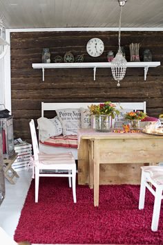 Ideas and inspiration Knotty Pine Decor, Swedish Decor, E Room, Forest House, Scandinavian Home, Log Homes, Rustic Decor, Sweet Home, Art Deco