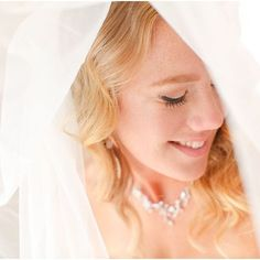 @oneseventyfive made a gorgeous bride on her wedding day! I absolutely loved her natural soft look. :-) jayekogut.com