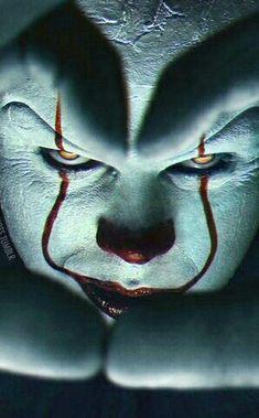 Horror Villains, Horror Movie Characters, Le Clown, Creepy Clown, Horror Books, Horror Films, Bill Skarsgard Pennywise, Clown Horror, Creeped Out