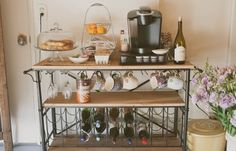 Love the covered pastry plate. Hummm I could add a wine rack and make it a BEVERAGE BARRRRR.