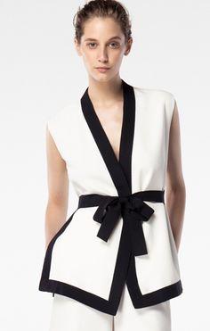 710 Best CAROLINA HERRERA images in 2019   Womens fashion, Ladies ... 9ef1020e99