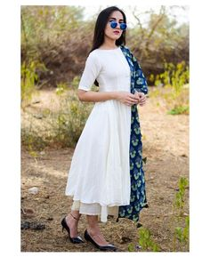 Casual Indian Fashion, Indian Fashion Dresses, Fashion Outfits, Punjabi Fashion, Fashion Ideas, Designer Party Wear Dresses, Kurti Designs Party Wear, Stylish Dress Designs, Designs For Dresses