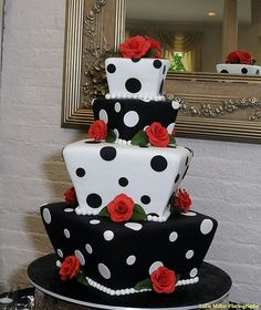Love this Polka Dot Cake.
