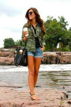 camo and cut offs Fashion 101, Love Fashion, Womens Fashion, Camo Fashion, Spring Fashion, Camping Attire, Camping Outfits, Street Style Blog, Business Casual Outfits