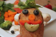 The Real Mr. cut a variety of raw fresh vegetables to build a real Mr. Potato Head with tooth picks, play with your food, then eat! being exposed to healthy foods in new ways is a great way to get kids to try new things Potato Face, Mr Potato Head, Potato Heads, Fruit And Veg, Fruits And Vegetables, Kids Fruit, Olivers Vegetables, Vegetable Crafts, Nutrition Activities