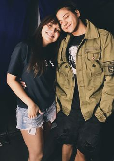 Have a safe flight lalabs, AmsTHOUrdam they're coming soon💙💙💙 Wedding Couple Poses Photography, Photography Poses, Daniel Johns, Cute Couple Wallpaper, Daniel Padilla, John Ford, Kathryn Bernardo, Queen Of Hearts, Couple Posing