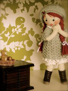 Kriss loves her teddy bear by Lenekie, via Flickr