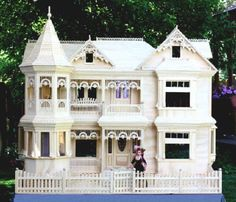 A Woodworking Scroll Saw Patterns and Instructions Plan to Build Your Own Victorian Barbie Doll House Project WoodworkersWorkshop®