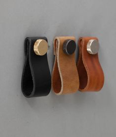Our MAGNI leather kitchen door handles make stunning drawer pulls and cupboard door handles. Available in four colours with 3 knob finishes.