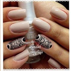 Nude mani with black lacy accent nails. (by @madahsantana)