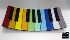 "Falling in love with this musical fused glass plate - the ""swoop sushi"" shape just pushes it over the edge!"