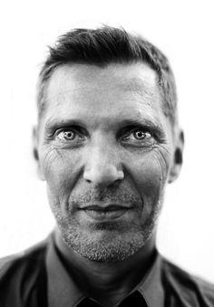 Erwin Olaf Springveld (1959) - Dutch photographer. Photo © Iannis Pledel Erwin Olaf, Great Photographers, Portrait Photographers, Portraits, Zbrush, Dutch, Faces, Artist, Character