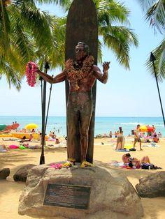 Waikiki beach ~ Duke Kahanamoku Statue Oahu, Hawaii How Dave proposed! Aloha Hawaii, Hawaii Life, Hawaii Travel, Dukes Waikiki, Waikiki Beach, Pearl Harbor, Maui, Honolulu Oahu, Hawaiian Homes