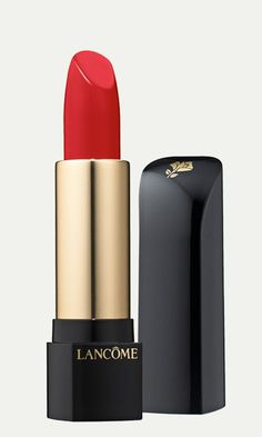 Wrap your lips in rich, satiny color with this deeply replenishing lipstick.