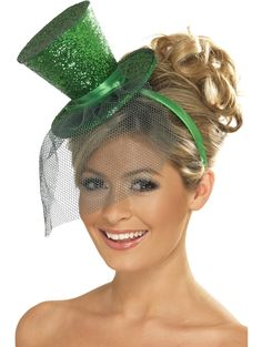 Festive Green Leprechaun Top Hats. That would be so fun to make these