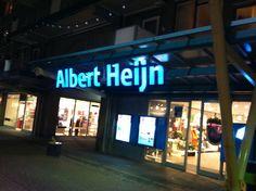 Albert Heijn is groot en opvallend (lichtblauw) te herkennen. Voor het grote publiek is dit noodzakelijk. De Albert Heijn gebruikt vaak de  herkenbare punten. Zeer stevig en goed uitgevoerd.