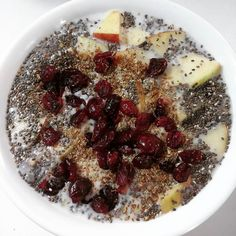 Good morning! Chia bowl with apples cranberries flax seed and coconut milk for breakfast. #vegan #whatveganseat #breakfast #weekend #goodmorning #chia by evaveggie