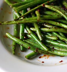 stir-fried green beans with garlic & chillies
