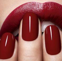 Make-up-Tipps roter Lippenstift und rote Nagellackfarbe - . - Make-up Tipps roter Lippenstift und rote Nagellackfarbe – # Nagellackfarbe - Cute Nails, Pretty Nails, Nagel Blog, Red Nail Polish, Dark Nails, Red Lipsticks, Dior Lipstick, Brown Lipstick, Liquid Lipstick