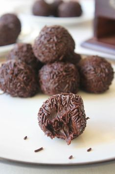 """Brazilian """"truffle"""" but I think they are more similar to fudge then a truffle. Cherry Bakewell Cake, 4 Ingredients, Truffles, My Recipes, Fudge, Tart, Almond, Snacks, Cooking"""