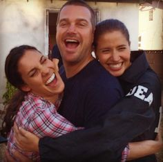 Marty who?? Pshhh... These ladies are fighting over G Callen... #chrisodonnell…
