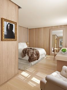 Deluxe Room @ the London EDITION, 10 Berners Street, London // Yabu Pushelberg // travel luxury hotels