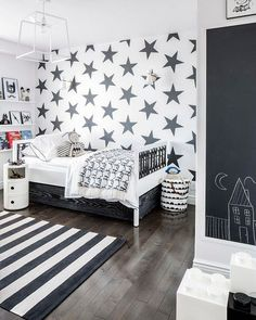 Boy bedroom decor hacks An excellent home design tip is applying the wasted space to utilize. This adds interest for the room more eye-catching and attractive. Big Boy Bedrooms, Boys Star Bedroom, White Bedrooms, Young Boys Bedroom Ideas, 4 Year Old Boy Bedroom, Childrens Bedrooms Boys, Toddler Rooms, Master Bedrooms, Kid Spaces