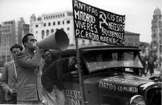 Uno de los cohes que recorrienron Valencia, en noviembre de 1936, para recaudar fondos para la defensa republicana de Madrid  ARCHIVO ABC