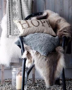 уютного вечера! #galleria_arben #pillows #мех #вдохновение #inspiration #decoration #подшки #зима #уют @alex_pankova