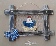 Appendini in legno di abete. Stile Country con decorazione gallina. €15+ss