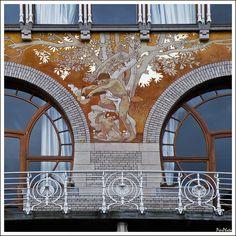 Bruxelles Art Nouveau windows