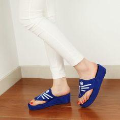 Cool Summer Flip-Flops Womens Shoes Sandals Slippers High Platform Beach Shoes Butterfly Decor T936Z