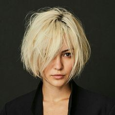 Wonderful Short Messy Haircuts 2019 for Women - Hair Styles 2019 - Cheveux Short Messy Haircuts, Bob Hairstyles For Fine Hair, Short Hairstyles For Women, Trendy Hairstyles, Short Hair Cuts, Short Hair Styles, Bob Haircuts, Bob Hairstyles How To Style, Short Messy Bob
