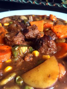 Hearty Vegan Beef & Vegetable Stew for the Slow Cooker #BeyondMeat #Gardein